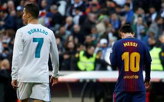 The 12 Footballers That Have Played With Lionel Messi And Cristiano Ronaldo Compare The Two Givemesport