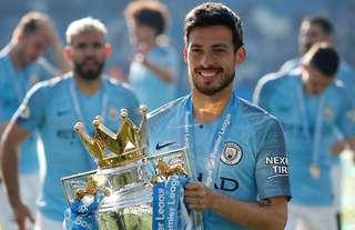 Silva leaves Man City a legend