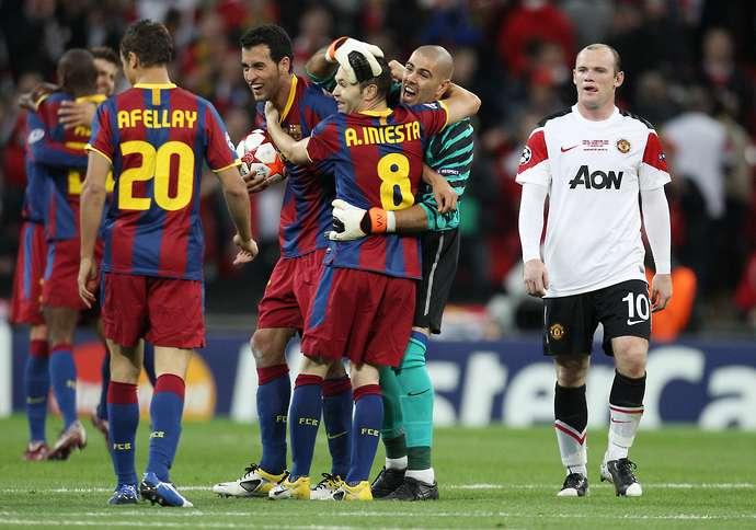 Wayne Rooney slams Sir Alex Ferguson's tactics in ...