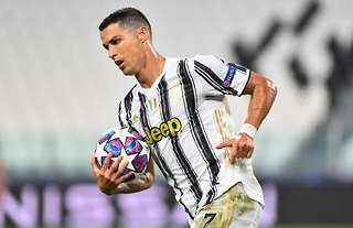 Cristiano Ronaldo Is Considering Leaving Juventus After Champions League Exit Givemesport