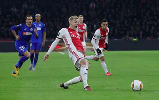 Donny Van De Beek S Stats Prove He D Form A Deadly Trio With Pogba And Fernandes At Man United Givemesport