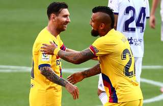 Vidal claims Barcelona only have 13 professional players