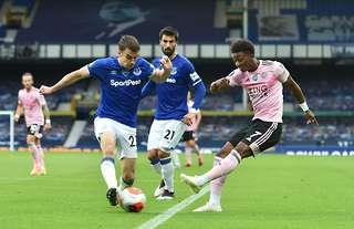 Demarai Gray versus Everton