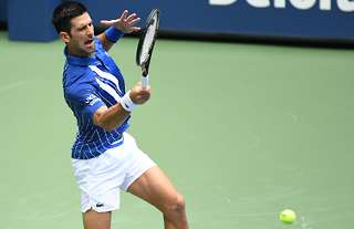 Us Open Novak Djokovic Has Been Disqualified After Hitting Line Judge With Ball Givemesport