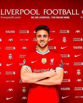 liverpool s diogo jota is at the same level as salah mane firmino says pep ljinders givemesport liverpool s diogo jota is at the same