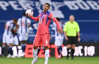West Brom Vs Chelsea Thiago Silva Makes Disastrous Mistake On His Premier League Debut Givemesport
