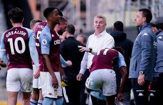 Dean Smith with his Aston Villa players