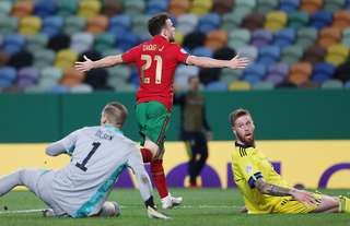 Liverpool S Diogo Jota Scores Twice And Gets An Assist For Portugal Against Sweden Givemesport