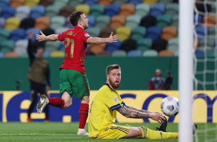 Jota celebrates vs Sweden