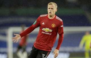 Is it time for Man Utd to start Donny van de Beek in the Premier League?