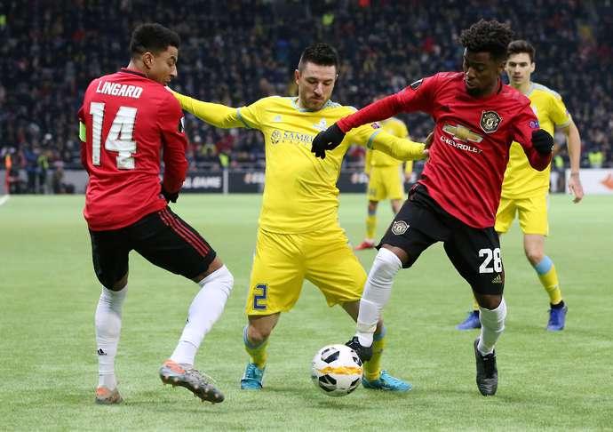 Angel Gomes beraksi untuk Man United